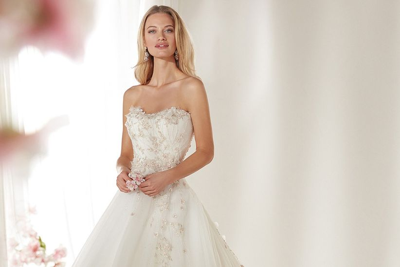 c4ced685f6 Nuevos vestidos de novia Colet 2019  para irradiar sensualidad ...