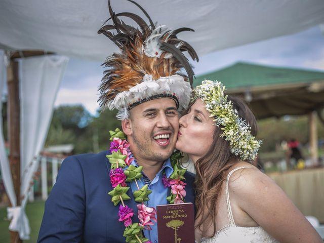 Natalia y Marcelo: un matrimonio Rapanui en la Isla de Pascua