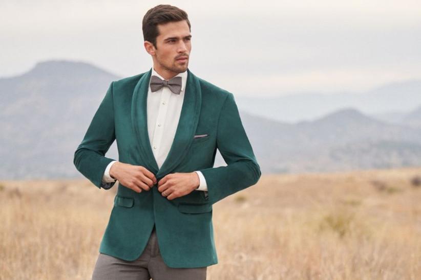 traje de novio verde esmeralda