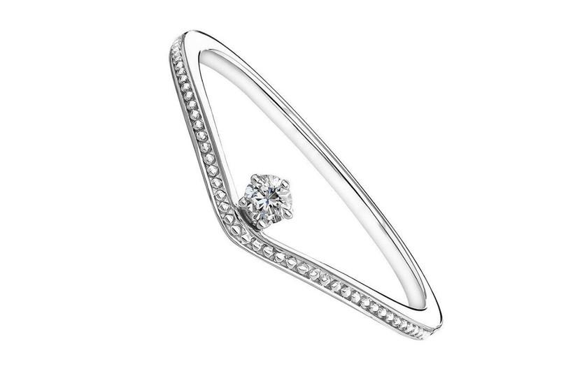 anillo de compromiso moderno
