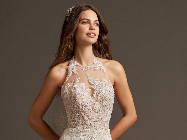 70 vestidos de novia con escote halter que no te puedes perder