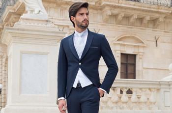 La chaqueta del traje de novio