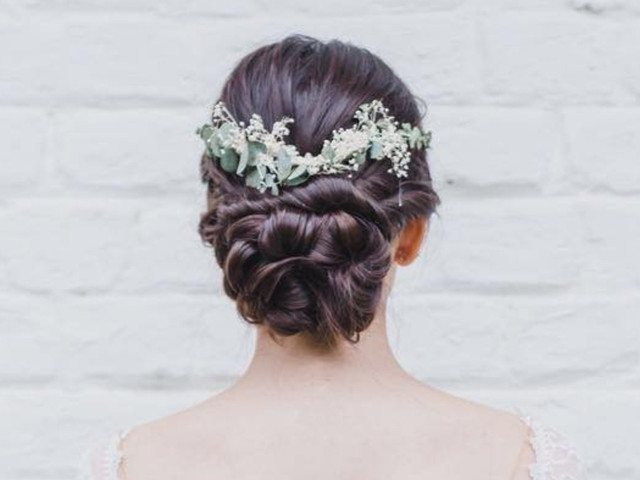 25 peinados recogidos bajos para novias