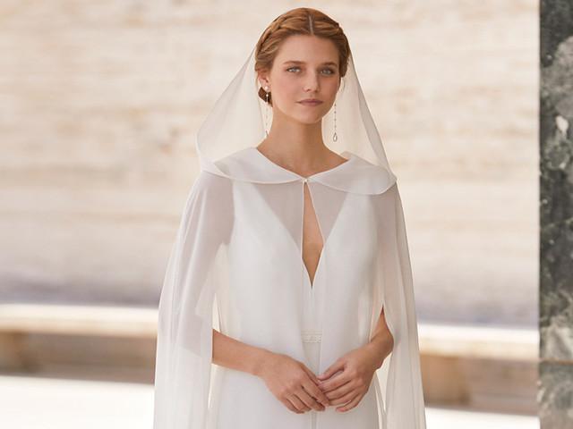 Rosa Clará: nueva colección de abrigos y capas para novia