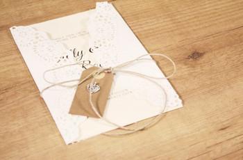 Cómo hacer invitaciones de boda DIY: ¡fáciles, sencillas y bonitas!