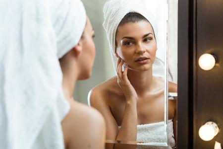 ¿Cómo ayudar a prevenir o controlar el acné antes de la boda?