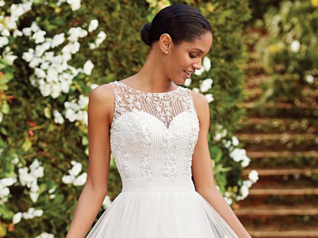 65 modelos de vestidos de novia con escote ilusión