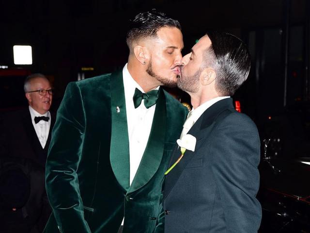 El diseñador de moda Marc Jacobs se casó