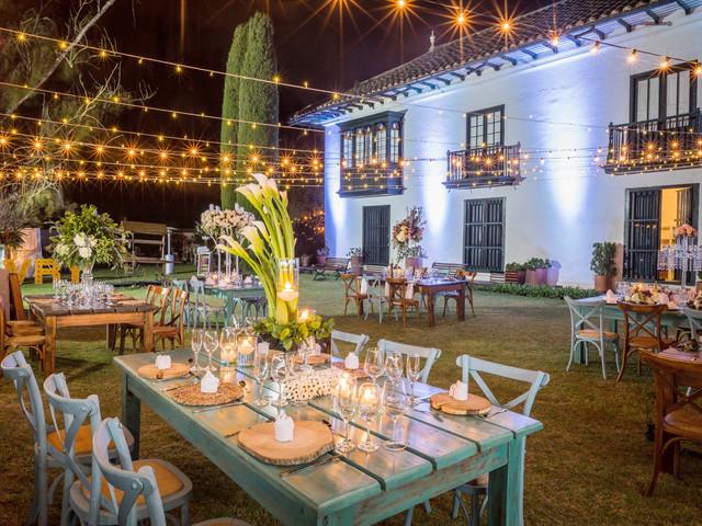 ¿Cómo iluminar un matrimonio campestre?