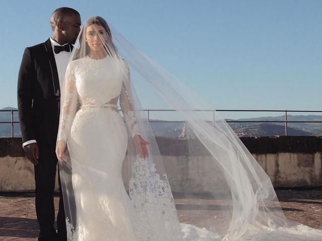 Kim Kardashian lanza su línea de maquillaje y celebra su aniversario