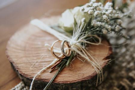 ¿Cómo modificar el grabado de las argollas de matrimonio?