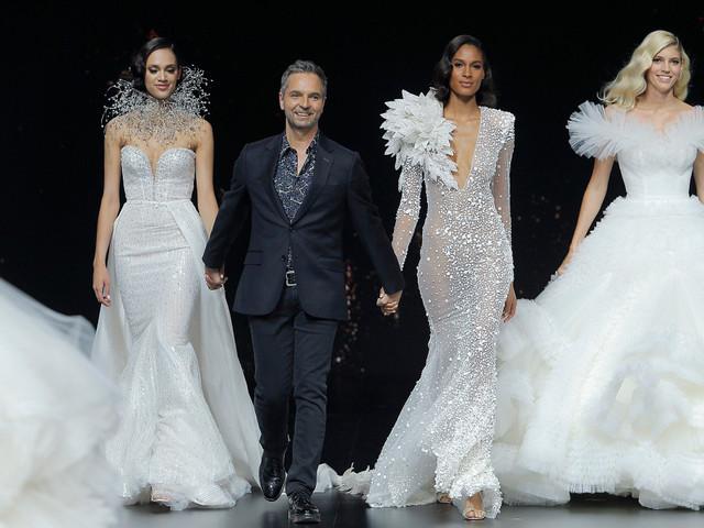 Pronovias 2020: vestidos de novia que llegan a la pasarela como lluvia de estrellas