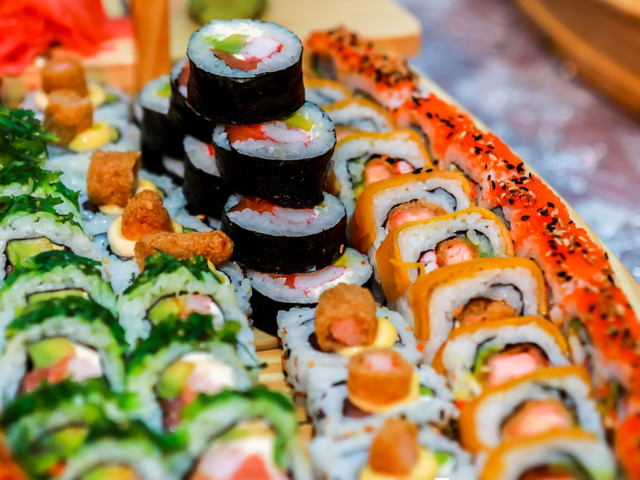 Sushi en el banquete de matrimonio: los datos que deben conocer