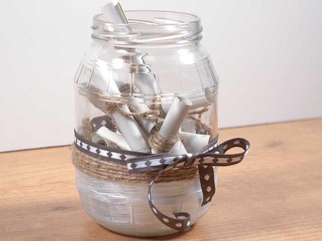 DIY: decoren un frasco de vidrio y conviértanlo en algo romántico