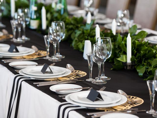 Decoración para boda en blanco y negro