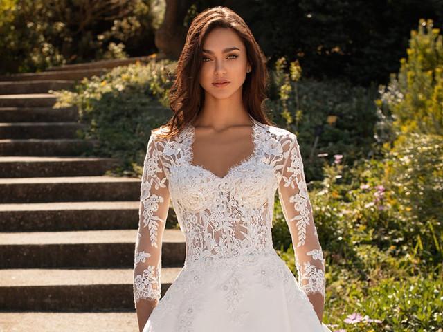 Vestidos de novia escote reina Ana: 30 modelos para suspirar