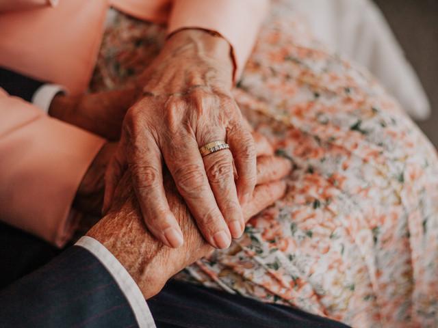 ¿Cómo hacer sentir especial a los abuelos en el matrimonio?