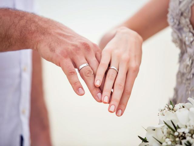 Argollas de matrimonio en oro blanco: ¿se convertirá este en su material favorito?