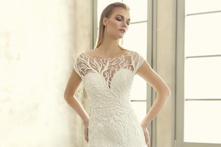 Vestidos de novia corte sirena y escote ilusión: ¡el 'match' perfecto!