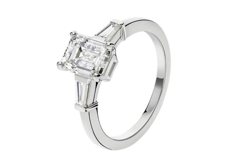 anillo de compromiso oro blanco en solitario con diamante