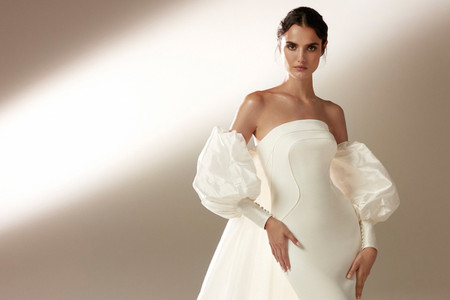 Atelier Pronovias 2021: vestidos para novias que se sienten divas