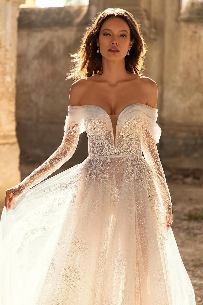 vestido de novia hombro caído con manga larga