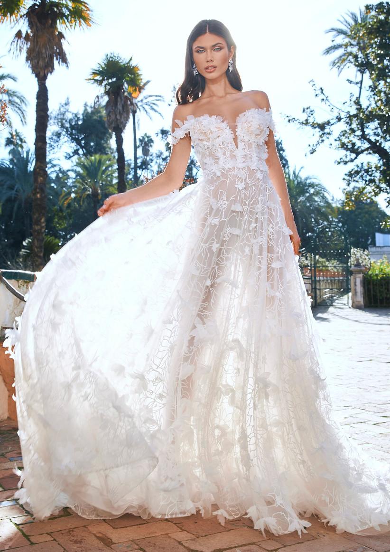 vestido de novia hombros descubiertos con corte en a y transparencia