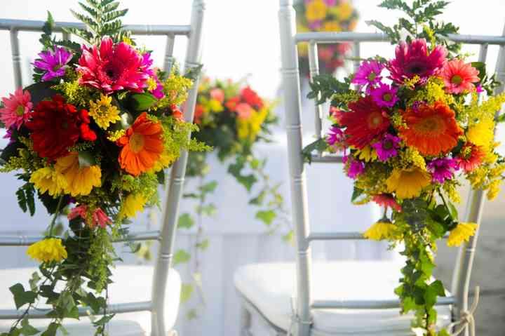 arreglos de flores de boda para sillas