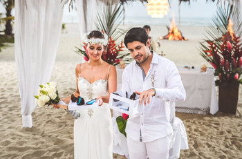 El ritual de liberar mariposas el día del matrimonio