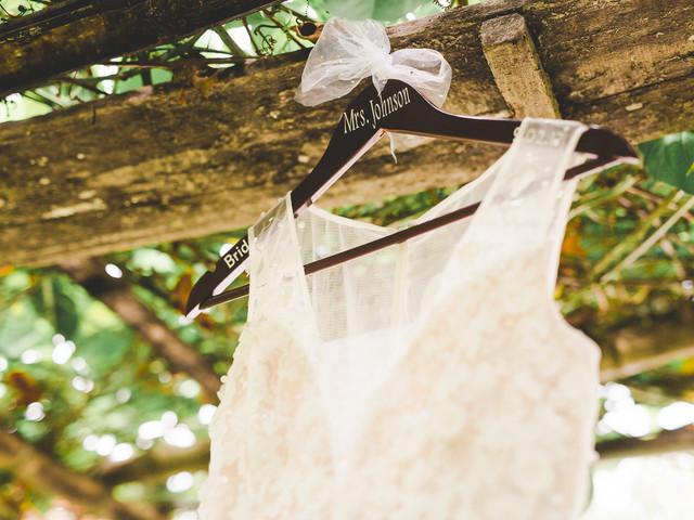 El gancho para colgar el vestido de novia