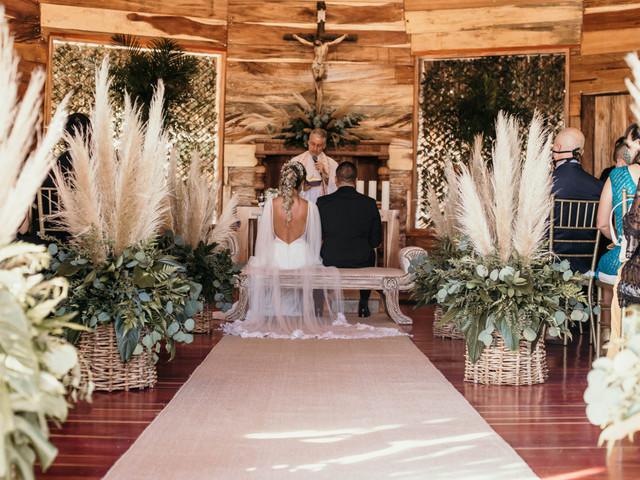 Decoración de iglesia con flores para bodas: los mejores consejos para inspirarlos