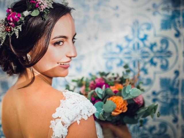 8 consejos sencillos sobre cómo elegir el peluquero para la boda