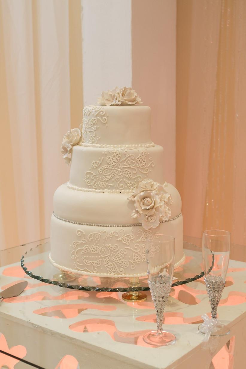 torta de matrimonio elegante de fondant