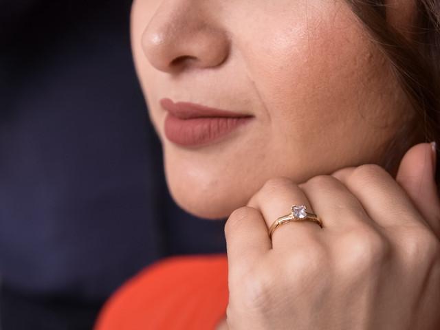 ¿Cómo hacer el mejor selfie con el anillo de compromiso?