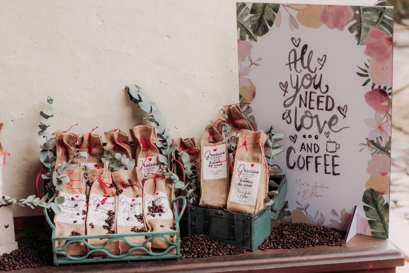 recuerdos para invitados saquitos de café