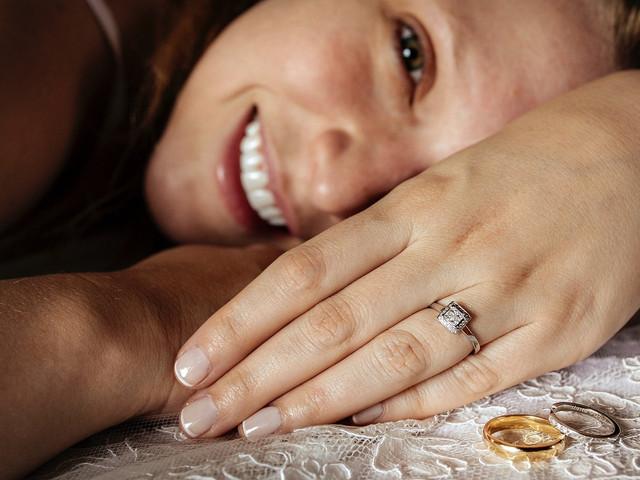 10 pasos para elegir el anillo de compromiso perfecto