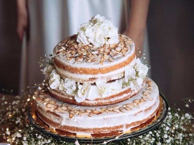 ¿Crema de mantequilla o fondant para el pastel de boda? Esa es la cuestión