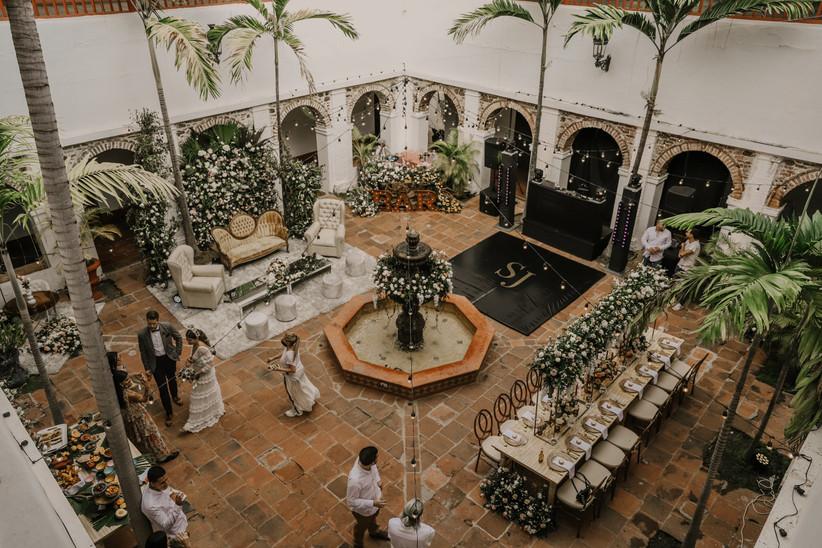 patio exterior para matrimonio en Colombia