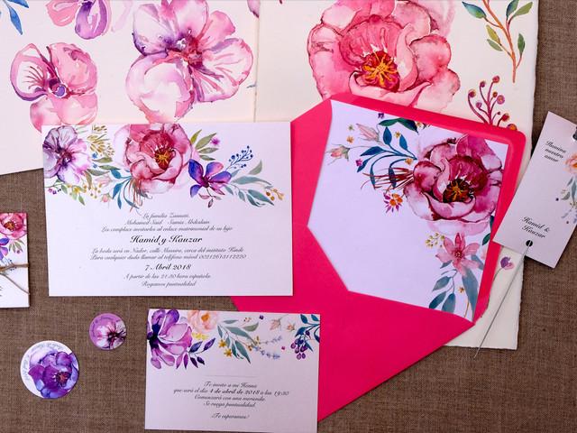 Qué dice el protocolo sobre cómo marcar los sobres de las invitaciones