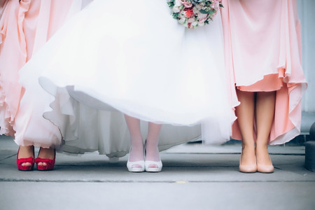 ¿Cómo elegir los zapatos para damas de honor? 8 cosas a tener en cuenta antes de comprarlos