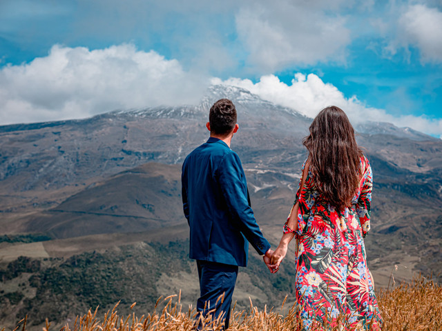Sesión de fotos para anunciar el compromiso: 5 detalles para que sean únicas