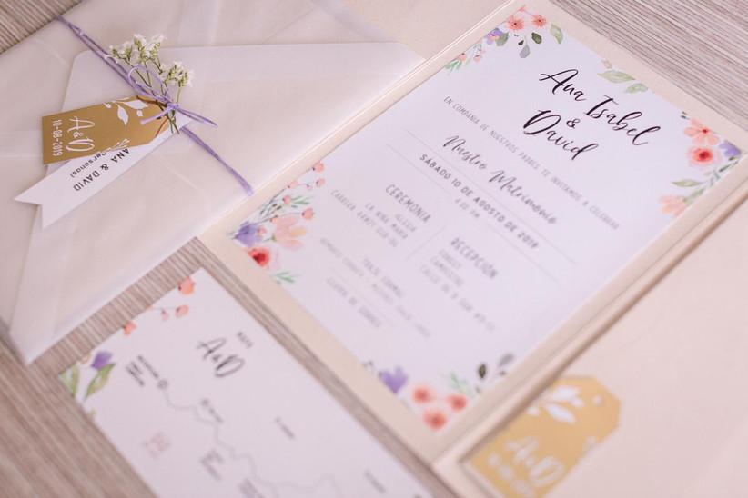 Invitación de matrimonio sencilla en colores pasteles