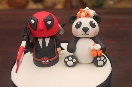 La figurita del pastel de matrimonio