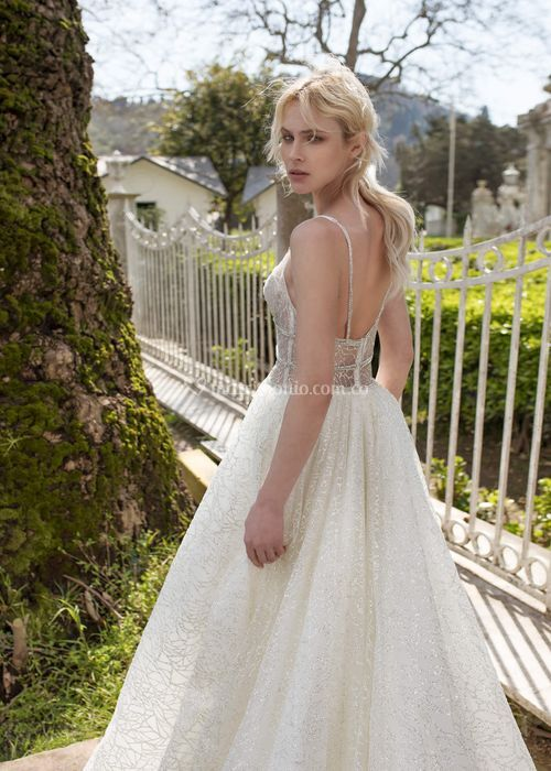 DREAM, Dovita Bridal