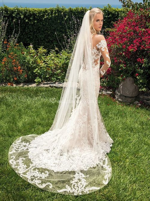 MADELYN, Casablanca Bridal