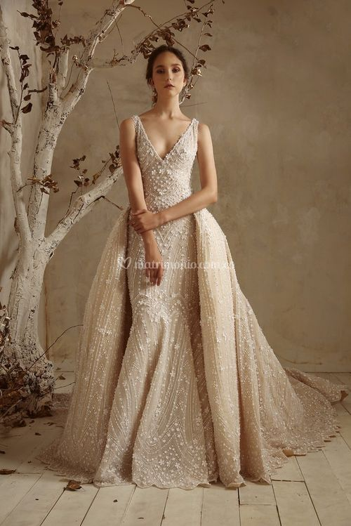 15 Mystic Beige with overskirt, Tony Ward
