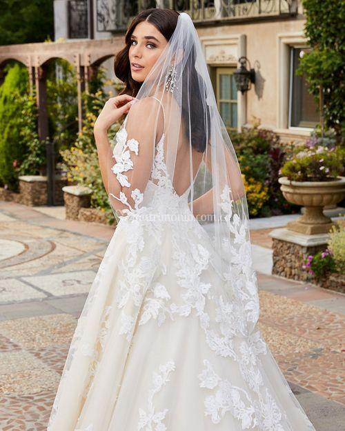 EMERY, Casablanca Bridal