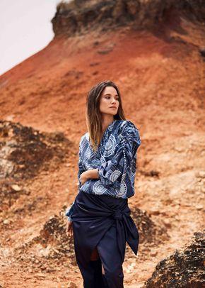 CE (38), Carolina Estefan