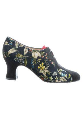 0371_2019_Shoes21_a, Mascaró