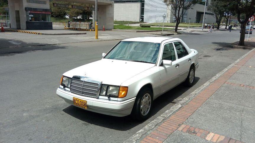 Mercedes Benz 300E